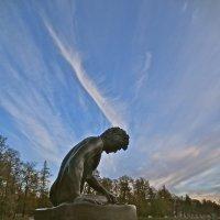 статуя у Большого пруда :: Елена