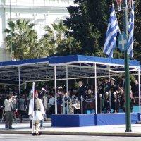 На параде.Президент Греции  Каролос Папуляс. :: Оля Богданович