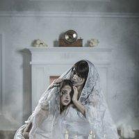 Невесты демона :: Евгений Болтнев