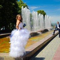 У фонтана :: Александр Сошников