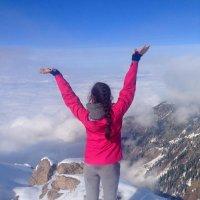 На вершине горы Фурманова, высота - 3053 м. :: Anna Gornostayeva