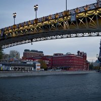 Пешеходный мост.... :: Viacheslav Birukov