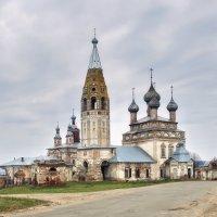 Храмовый ансамбль села Парское... :: leonid
