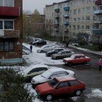 Первый снежок. :: Алексей Golovchenko