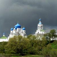 Боголюбовский монастырь. :: Анатолий Борисов