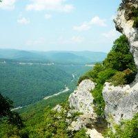 Вид с гор на реку Белая :: Надежда