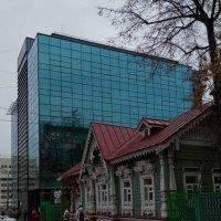 Архитектурный контраст :: Юрий Арасланов