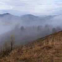 В горах, где танцуют туманы 5 :: Сергей Жуков