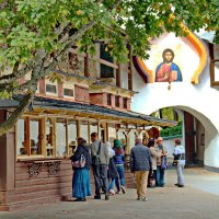Монастырская лавка :: Олег Попков