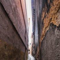 """Прогуливаясь """"широкими"""" улочками Толедо,Испания... :: Александр Вивчарик"""