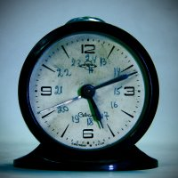 Проходит Время через нас, Остановить его нельзя, Хоть и пытаются нередко, :: юрий