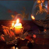 Ты осень пьёшь, глоточками, смакуя, напиток этот цвета тёплой охры... :: Людмила Богданова (Скачко)