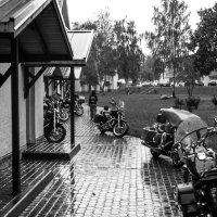 дождливое байкерское утро :: - ИИК -