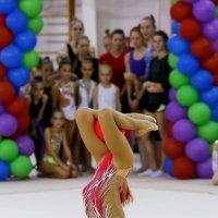 Гимнастка с мячом :: Наталья Мацкевич