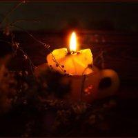 Ночь, подкрадываясь тихо, грёзам осени внимая... :: Людмила Богданова (Скачко)