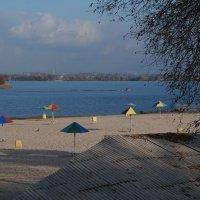 Пляж в конце октября :: София