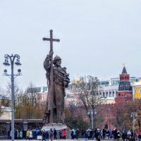 Князь Владимир пришел на Боровицкую площадь. :: Larisa Ereshchenko