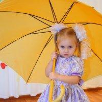 Тучи смотрят с высоты - Распускаются зонты. :: A. SMIRNOV