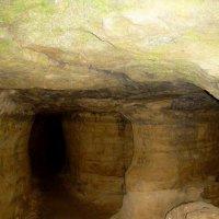 Пещеры подземного монастыря :: Надежда