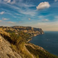 Между небом и морем с видом на мыс Айя :: Александр Пушкарёв
