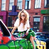 Дама на машине :: Виктория Бенедищук