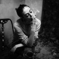 Курить... :: Максим Жидков
