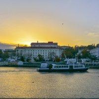 Рассвет в Севастопольской бухте :: Владислав Вадимович