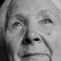 Бабушка :: Евгения Ряпасова