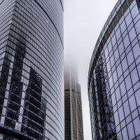 Небоскрёбы в облаках 3 :: Сергей Козырев