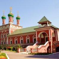 Сергиевская церковь.Высоко-Петровский монастырь :: Владимир Болдырев