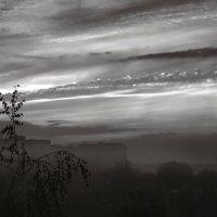 Туман над городом. :: Андрий Майковский