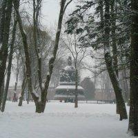 Памятник в Новгородском Кремле :: Татьяна