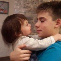 С днем рожденья, братик! :: Наталья Тимофеева