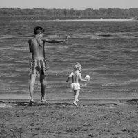 с братом бежим навстречу волнам :: Альбина