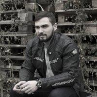 Парень в мотоциклетной куртке :: Виктория Киселева