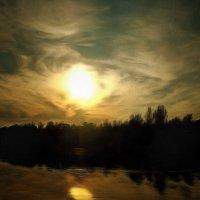 Закатный луч желает всем спокойной ночи.... :: Tatiana Markova