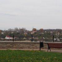 На границе...Взгляд на русский Ивангород с Нарвской крепостной стены (Эстония) :: Ljudmila Korotkova