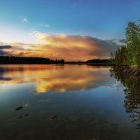 Летний вечер над озером. :: Sven Rok