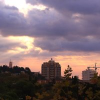 Сентябрьское утро над Ялтой :: Татьяна Ломтева