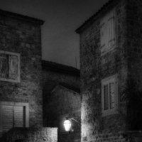 Будва. Старый город. Вечер :: Владимир Печенкин