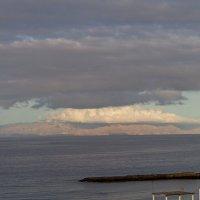 Вид на остров Ла Гомера с острова Тенерифе :: Дмитрий Сиялов