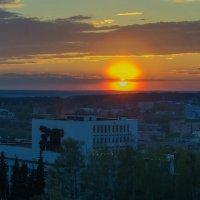 Вечер опускается на город :: Владимир Максимов