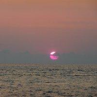 Закат в Гаграх :: Наталья Шор