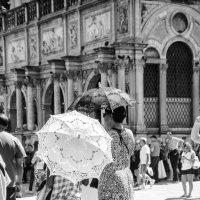 Венецианские зонтики :: Наталия