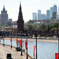 знакомые и новые силуэты столицы :: Олег Лукьянов