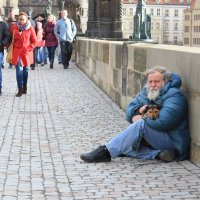 А  люди  -  мимо... :: Наталья Казанцева