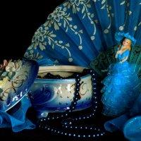 Девушка в голубом :: Нэля Лысенко