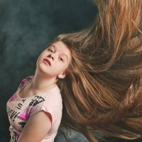 Летящие волосы :: Женя Лузгин