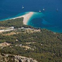 Пляж Золотой рог. Взгляд с Видовой горы. Бол, Хорватия. :: Сергей Бурлакин