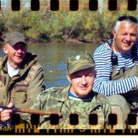 три рыбачка в лодке) :: Евгений Золотаев